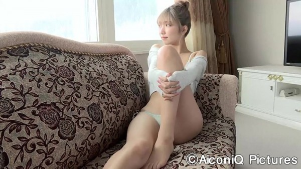 Take a look at Mea Shimotsukis superbly polished slender body008