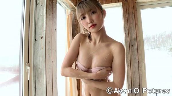 Take a look at Mea Shimotsukis superbly polished slender body018