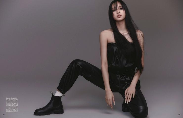 LISA sports bra bikini BLACKPINK004