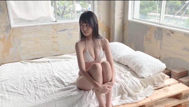 Inoko Reia swimsuit gravure 17 years old and hot in gravure023