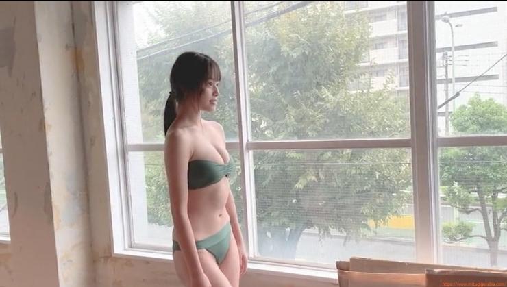 Inoko Reia swimsuit gravure 17 years old and hot in gravure037