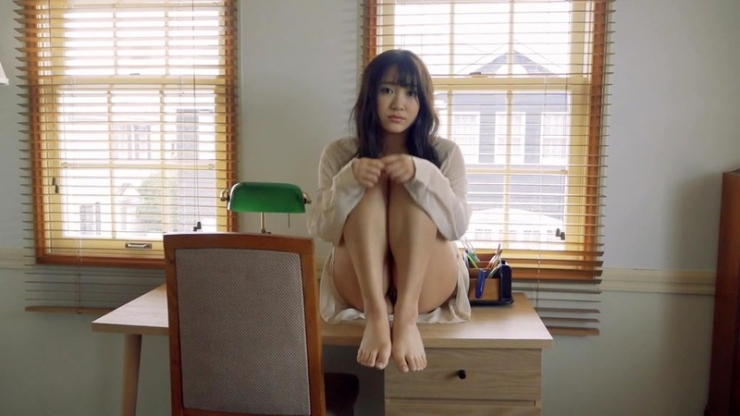 Minami Sano swimsuit gravureHonors student is J cup003