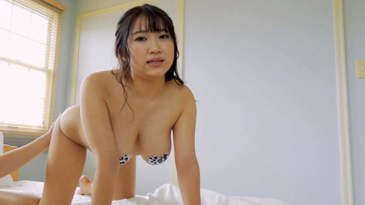 Minami Sano swimsuit gravureHonors student is J cup011