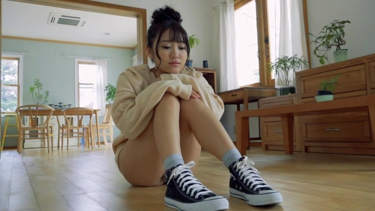Minami Sano swimsuit gravureHonors student is J cup017