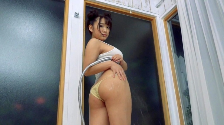 Minami Sano swimsuit gravureHonors student is J cup013