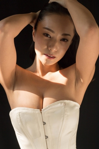 Mifune Mika swimsuit gravure 38 years old miracle body048