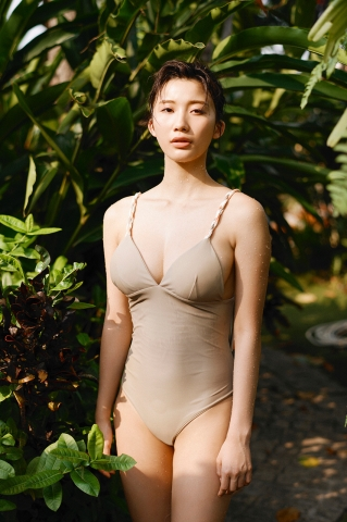 Yuka Ogura Swimsuit Gravure For Adults Vol1023