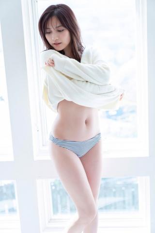 Nashiko Momotsuki, colorful and cute bikini004
