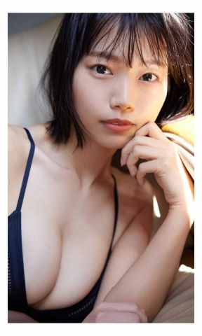 Aya Natsume Both idols and gravure are getting more and more attention011