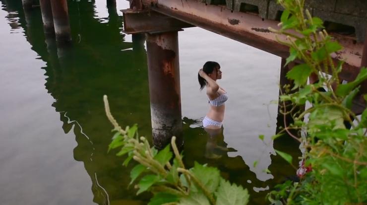 Rei Kaminishi Swimsuit Gravure Making of Water Temperature Vol2002