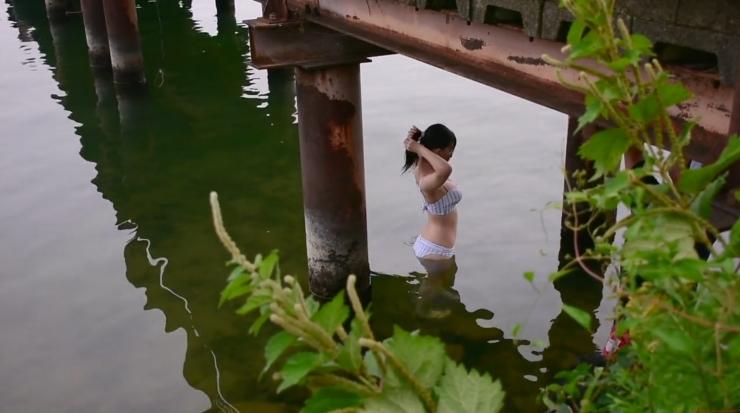 Rei Kaminishi Swimsuit Gravure Making of Water Temperature Vol2003