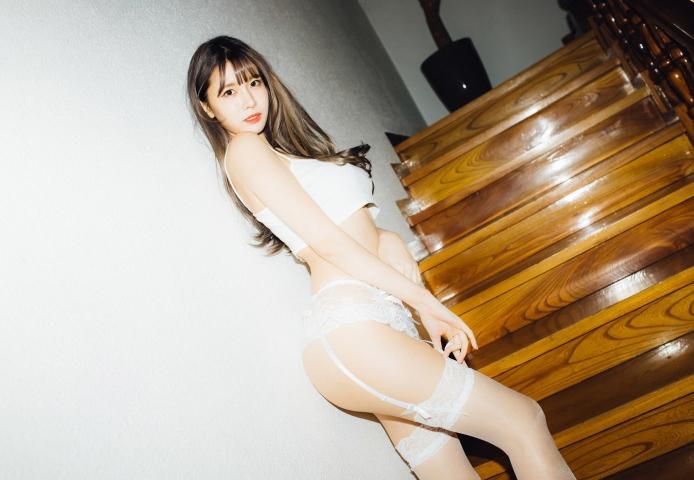 이아린 (22)