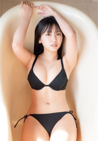 Aika Sawaguchi Ahead of summer the strongest body with a fresh smile009