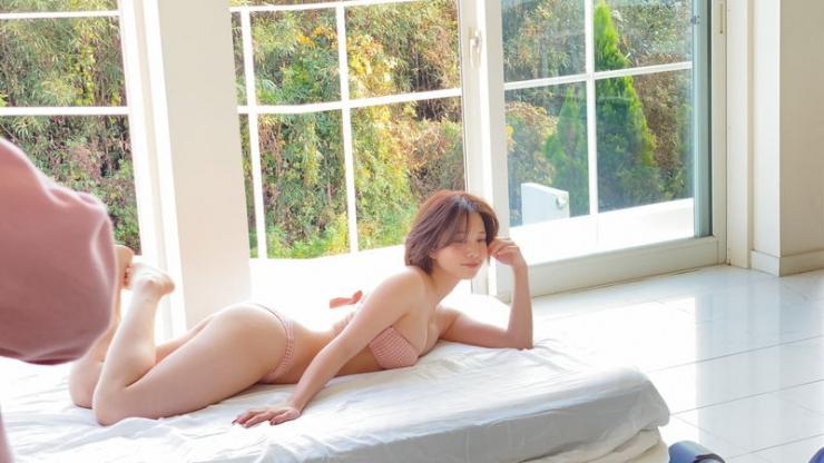 Ayuna Nitta Japans Cutest High School Girl Graduates from High School012