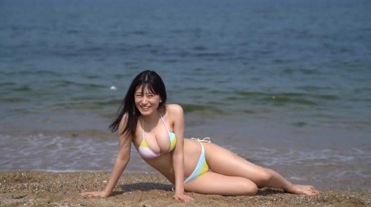 Rei Kaminishis gravure photo shoot at sea010