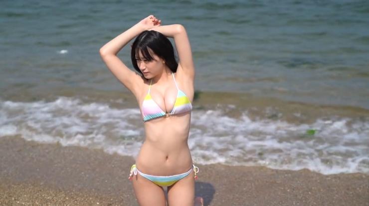 Rei Kaminishis gravure photo shoot at sea013
