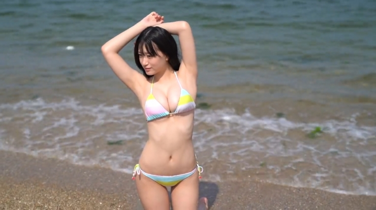 Rei Kaminishis gravure photo shoot at sea014