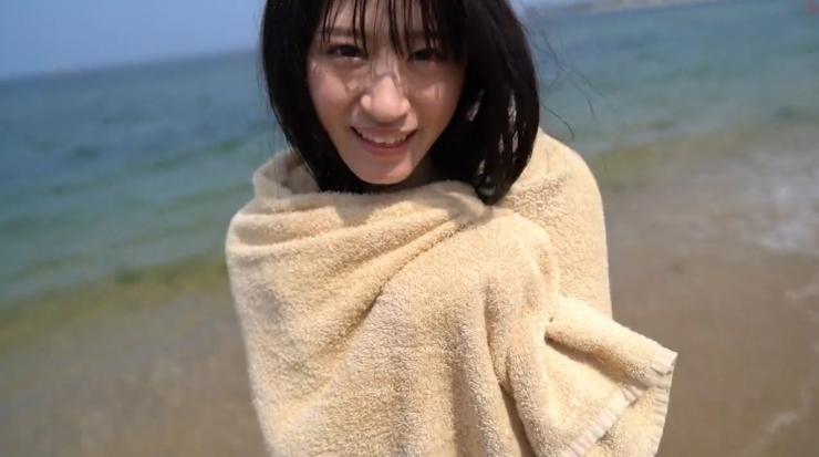 Rei Kaminishis gravure photo shoot at sea035