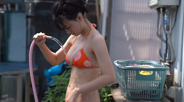 Temperature of Water Rei Kaminishi279