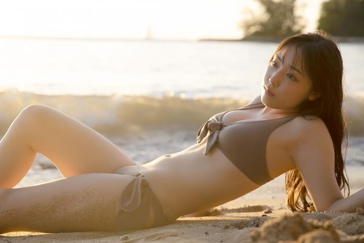Sei Fukumura Sunset and Bikini023