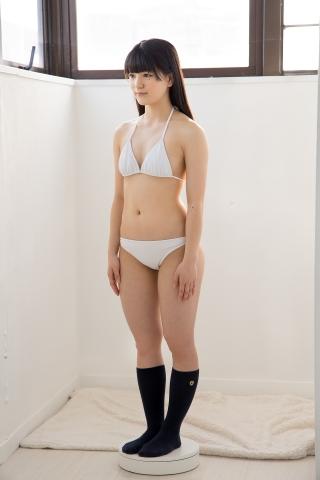 Hinako Tamaki in a white swimsuit039
