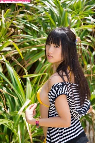 Nanna Tanaka Yellow Swimsuit Beach016
