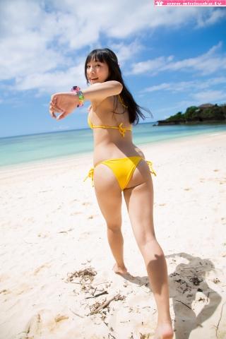 Nanna Tanaka Yellow Swimsuit Beach024