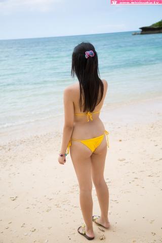 Nanna Tanaka Yellow Swimsuit Beach047