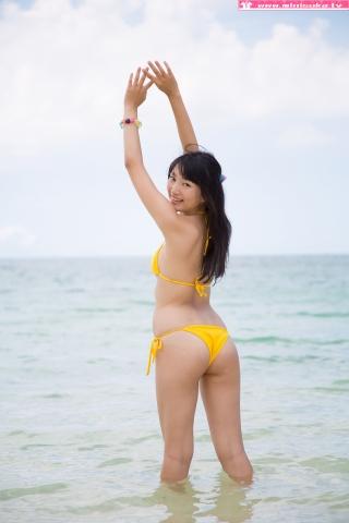 Nanna Tanaka Yellow Swimsuit Beach049