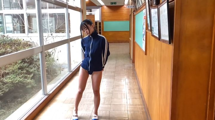 Ayana Nishinaga 25 years old with both boldness andcuteness finally shows off her whole body023