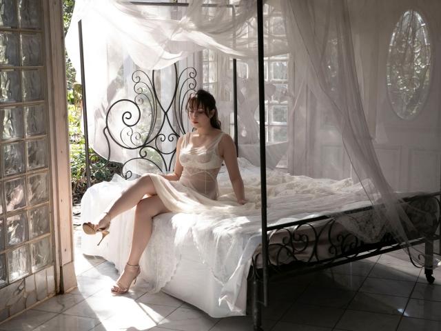 Aimi Michelle Fujitas Momo Undressed and Unborn001