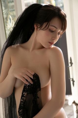 Aimi Michelle Fujitas Momo Undressed and Unborn010