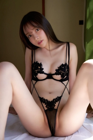 Minami Haruna unfulfilled desire please take a look at the naked body of the queen of limit eros006