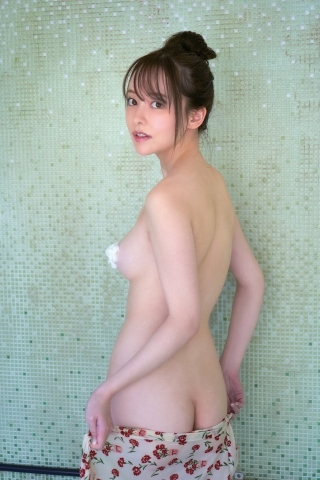 Minami Haruna unfulfilled desire please take a look at the naked body of the queen of limit eros013