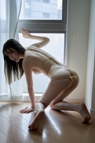 Minami Haruna unfulfilled desire please take a look at the naked body of the queen of limit eros014