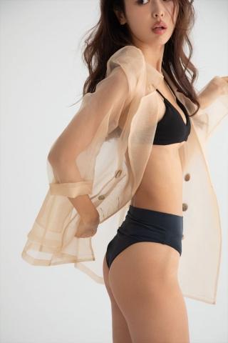 Hitomi Kaji has a miraculous waistline through intestinal activity006