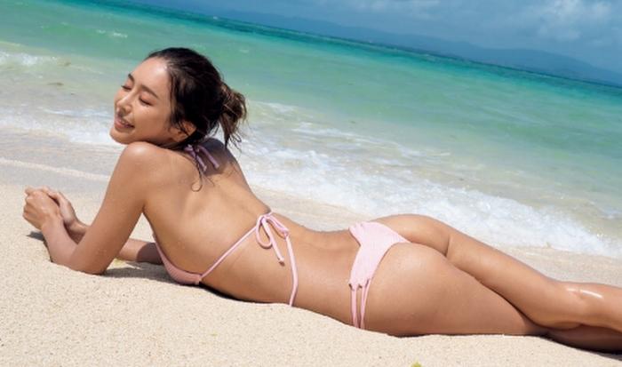 Hitomi Kaji has a miraculous waistline through intestinal activity021