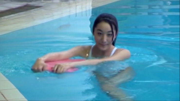 Kagami Kagami White Swimming Costume Image044
