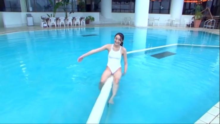 Kagami Kagami White Swimming Costume Image071