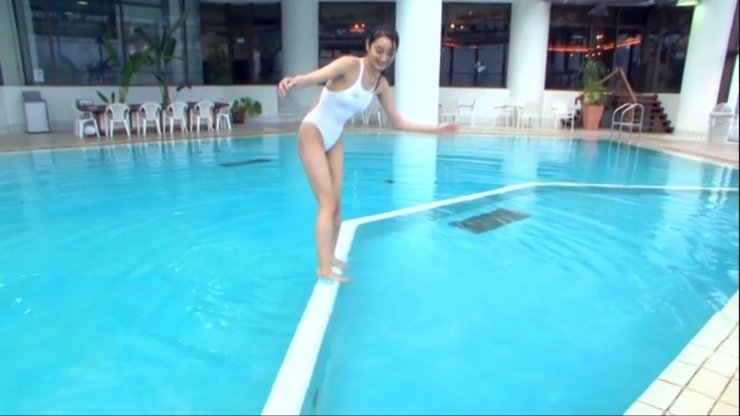 Kagami Kagami White Swimming Costume Image078