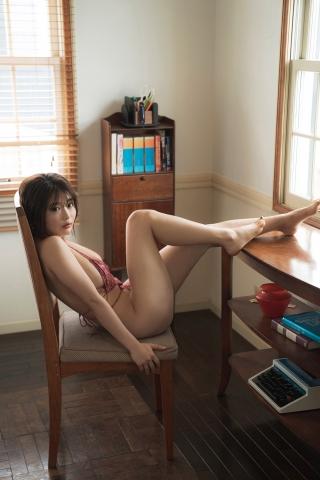 Momo Fujita Yoga in a swimsuit007