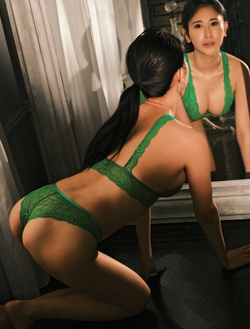 Kurumi Natori in her own underwear003