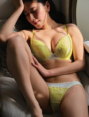 Kurumi Natori in her own underwear006