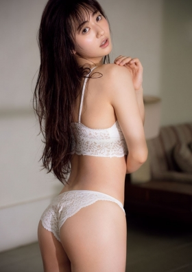 Kazusa Okuyama Swimsuit Queen of gravure who is also active as an actress016