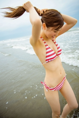 Aimi Iwamoto Swimsuit Gravure Current collegestudent 19 years old Vol3 Red and white bikini003