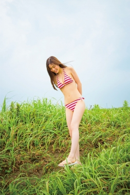 Aimi Iwamoto Swimsuit Gravure Current collegestudent 19 years old Vol3 Red and white bikini004