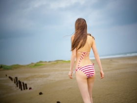 Aimi Iwamoto Swimsuit Gravure Current collegestudent 19 years old Vol3 Red and white bikini006