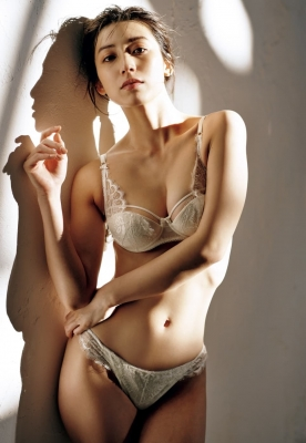 Airi Sato the best body in the history of Miss Magazine008