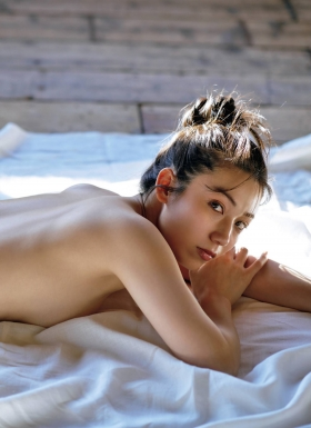 Airi Sato the best body in the history of Miss Magazine006