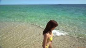 Ikuumi Hisamatsu frolicking on the beach052